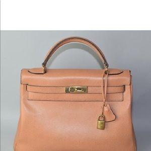 Hermès Kelly 35 stunning bag